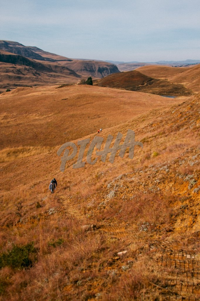 hiking in Lotheni reserve, South Africa