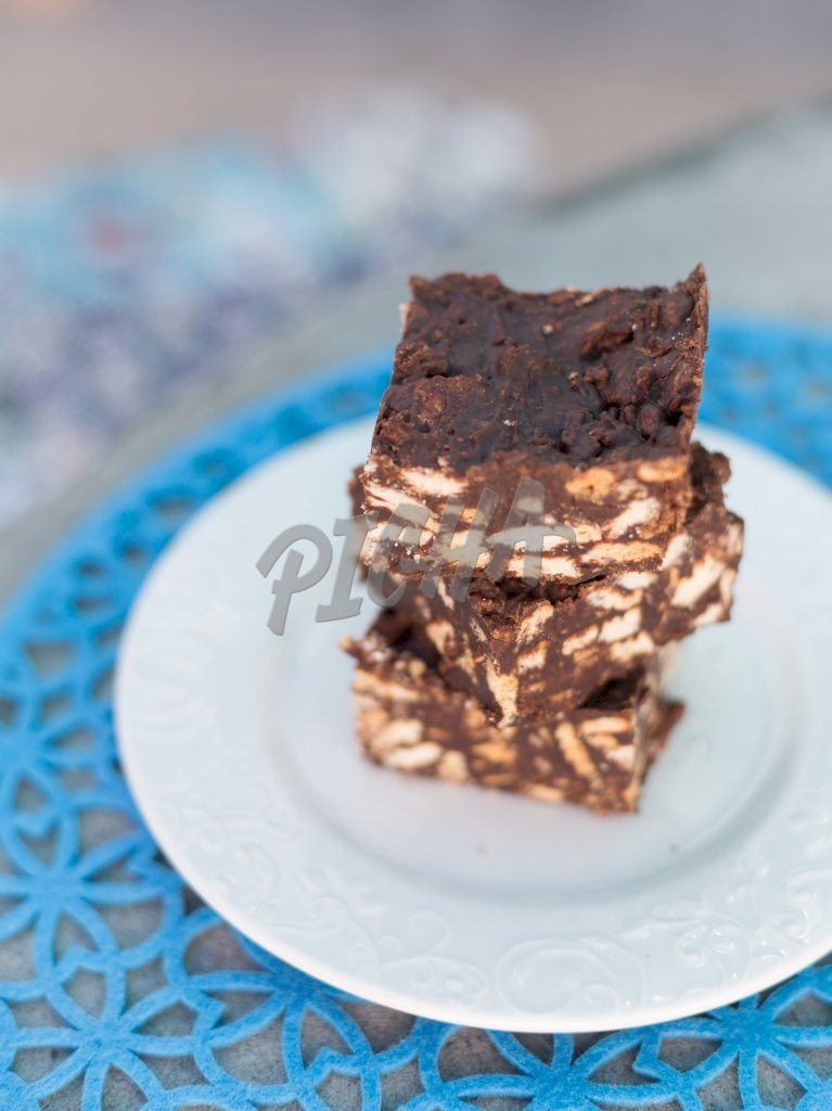 Brownie with nuts