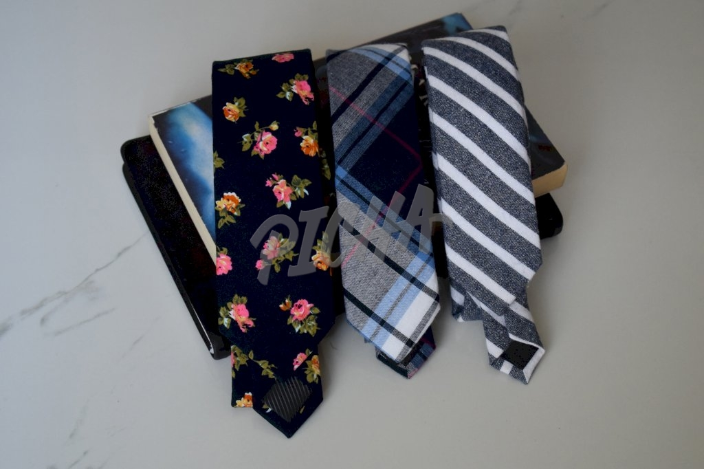 Set of ties
