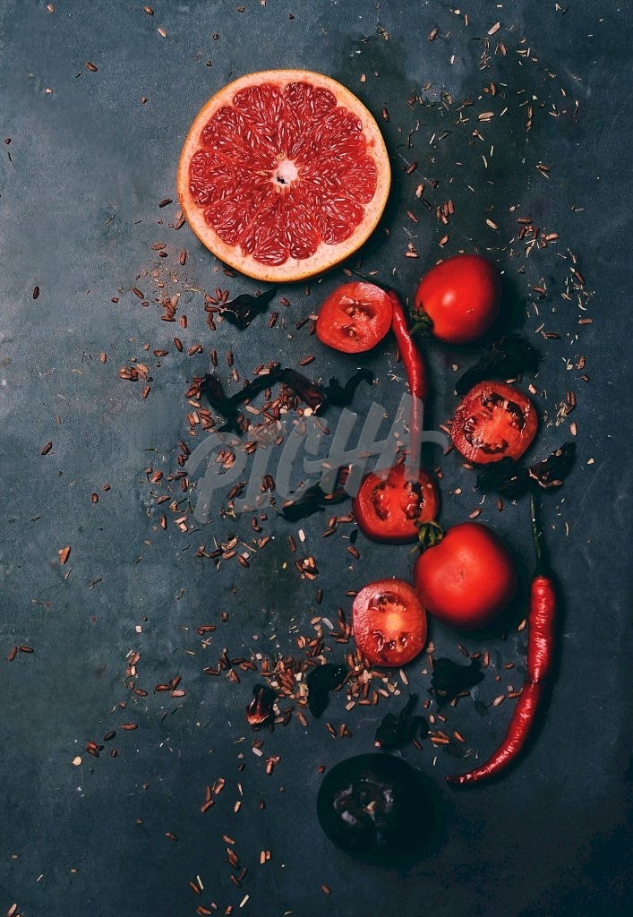 Grapefruit and tomatoes