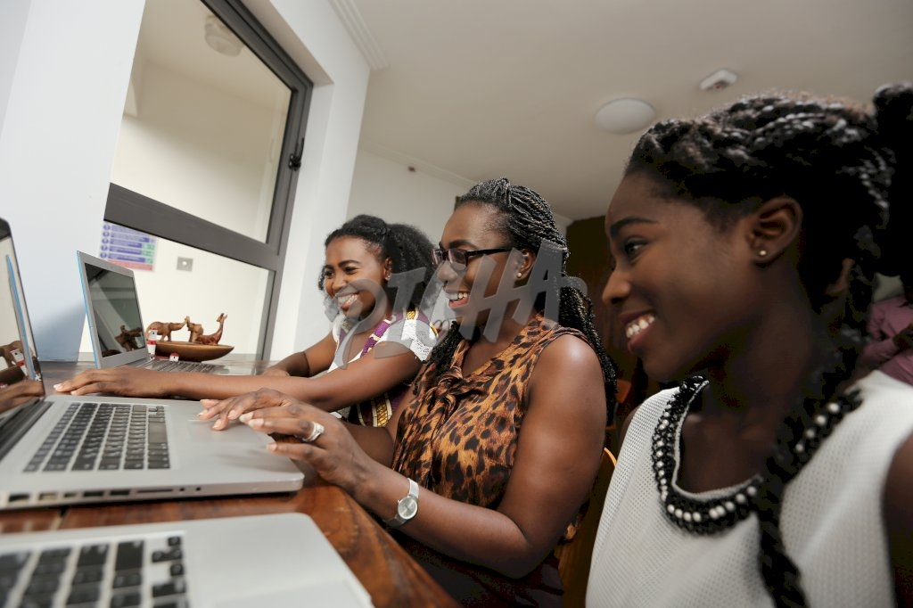 Women working together at the office