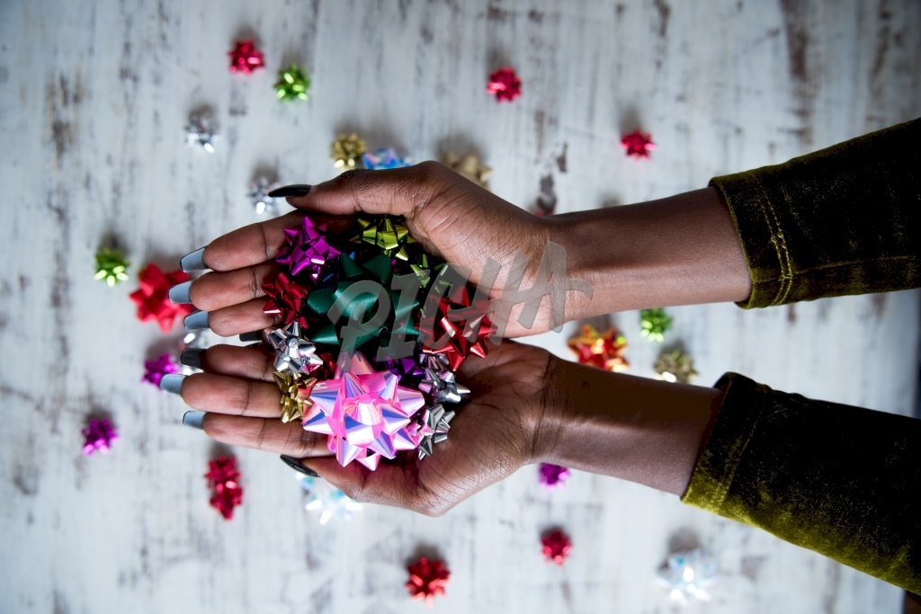 Holding ornaments
