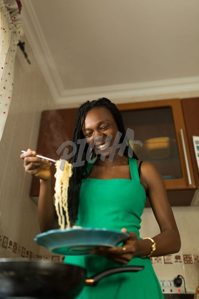 Serving spaghetti