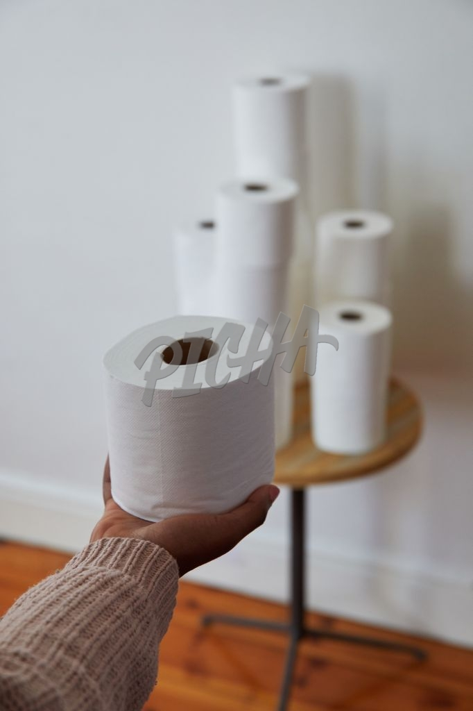 Holding toilet paper