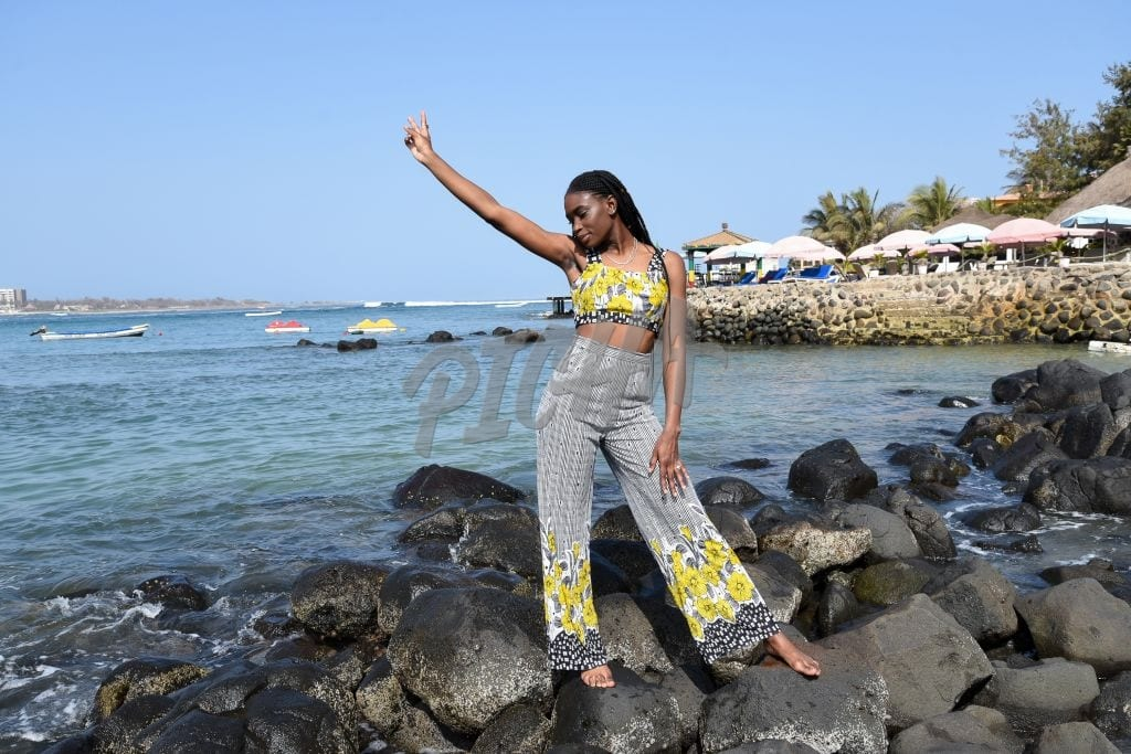 Beach outfit with yellow motif