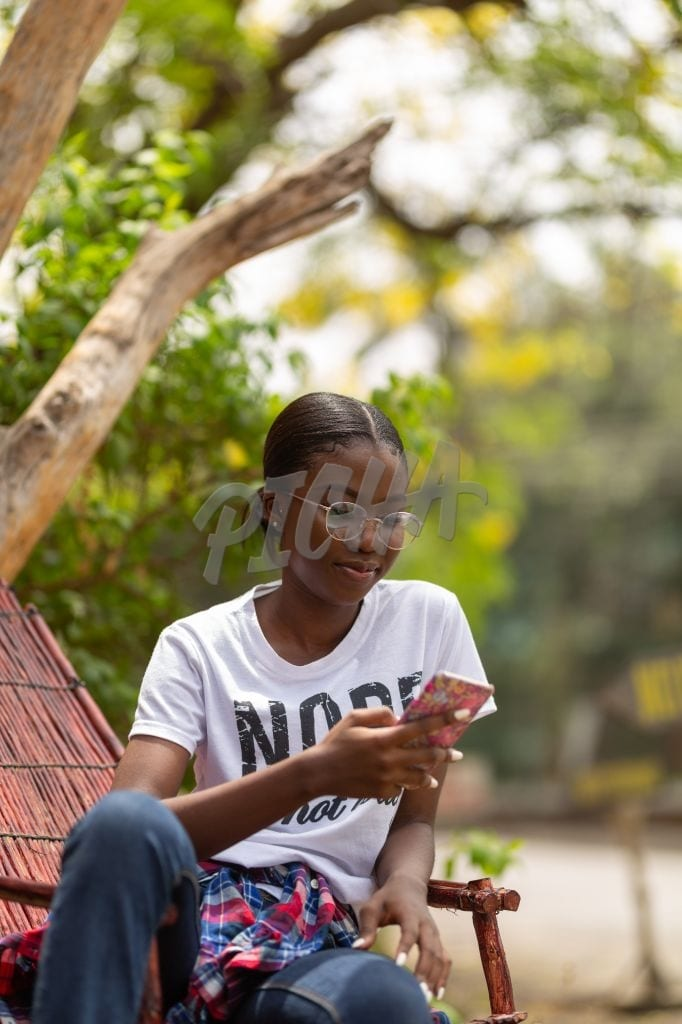 Texting outdoors