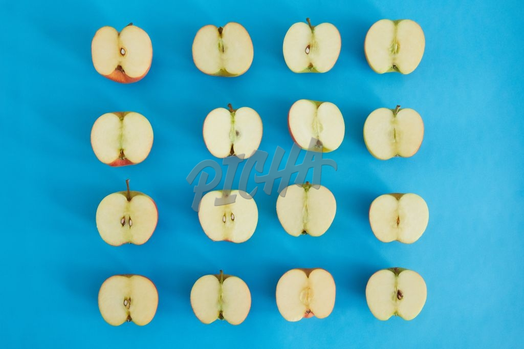 Apple halves in a grid