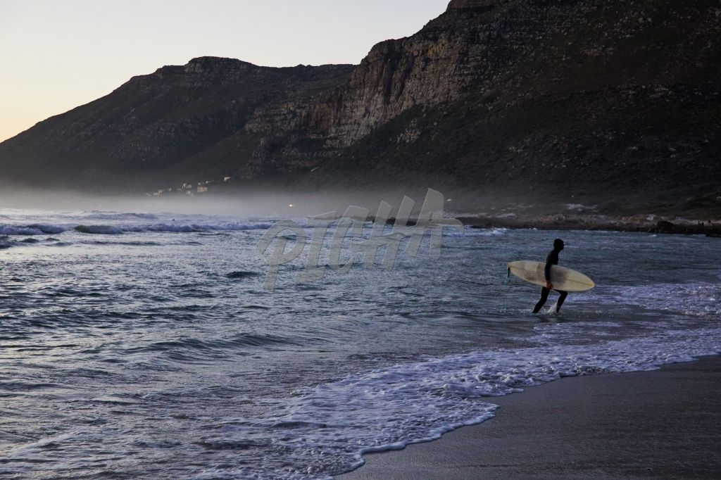 Surfing at Misty Cliffs