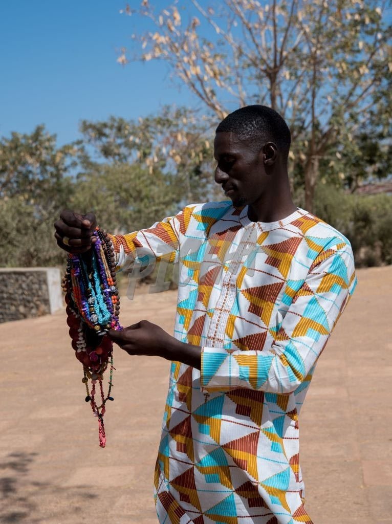 male selling jewelry