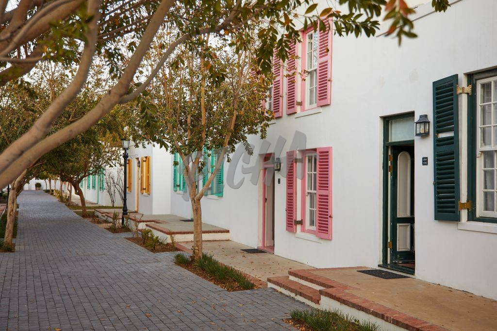 Colourful flats in Graaff-Reinet