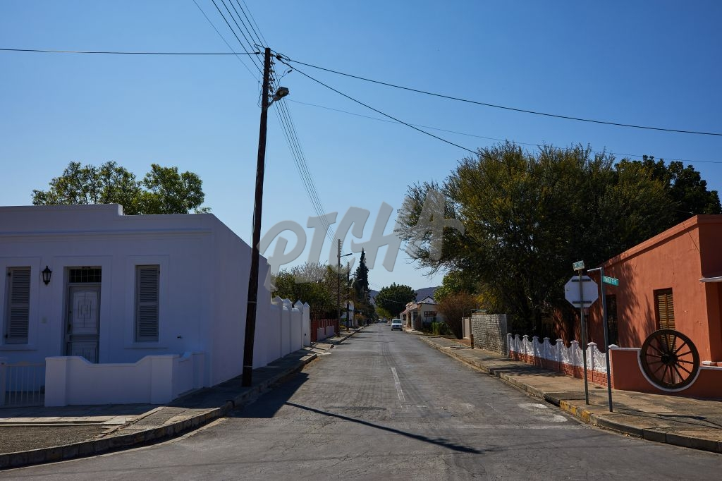 Empty streets of Graaff-Reinet during lockdown