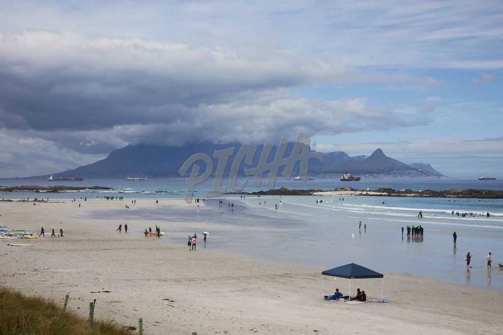 Blouberg beach scene with Table Mountain behind