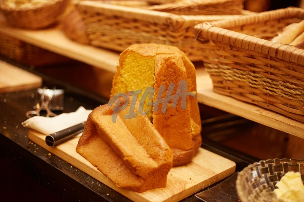 Sliced brioche on a cutting board