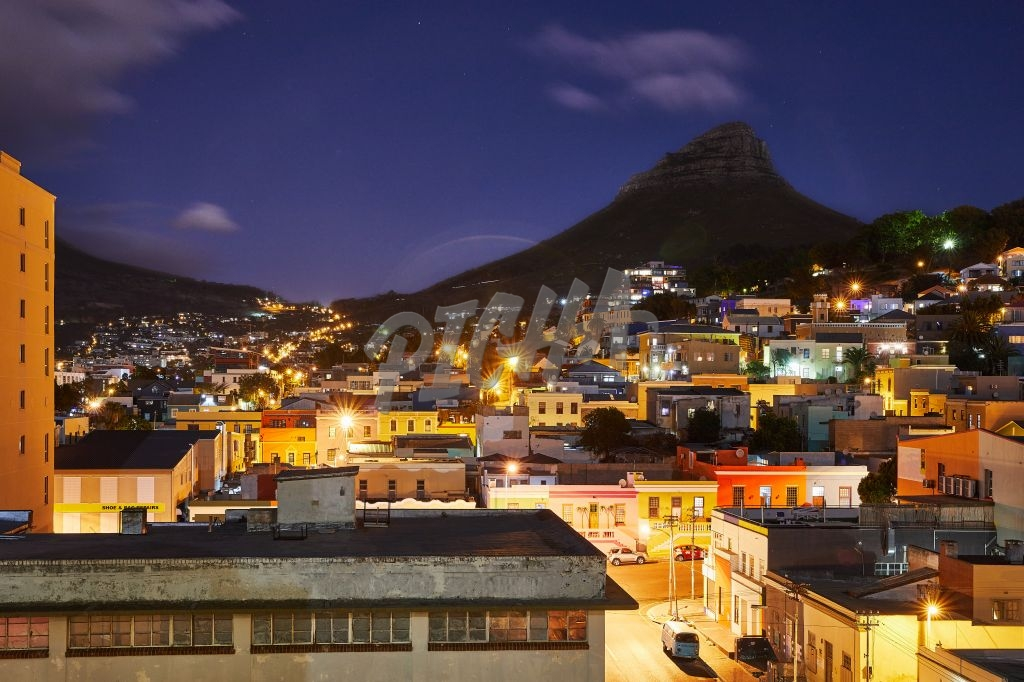 Nightscape of Lion's Head from Bo Kaap
