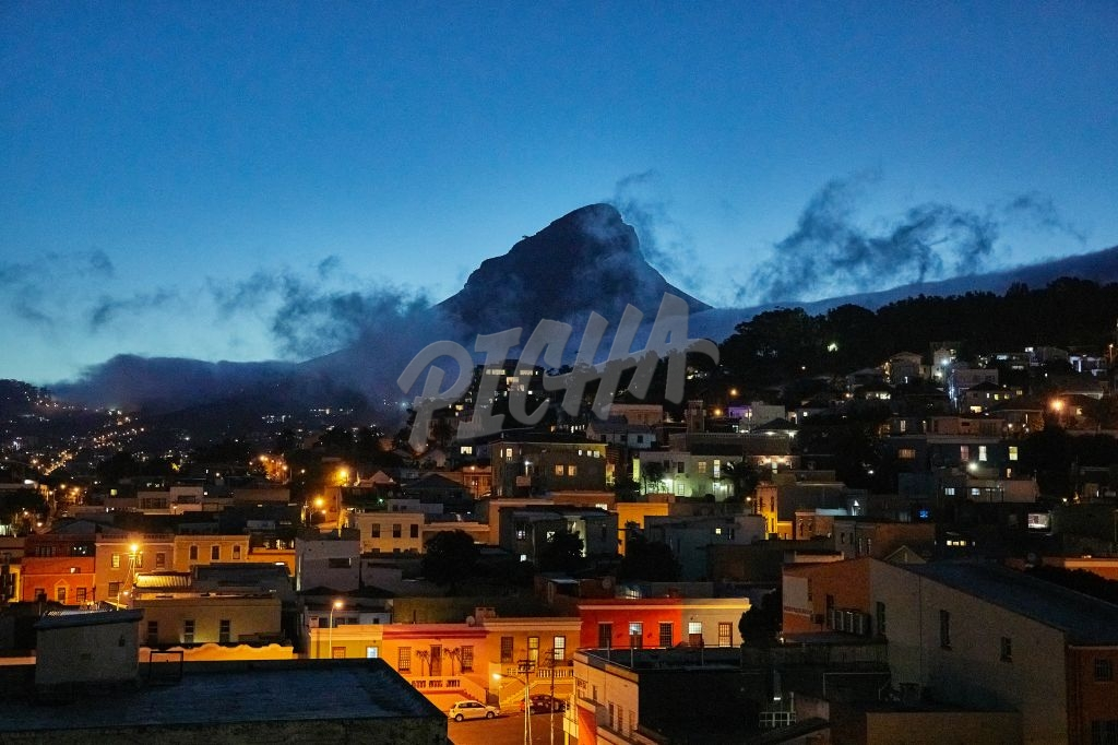 Moody landscape of Lion's Head from Bo Kaap