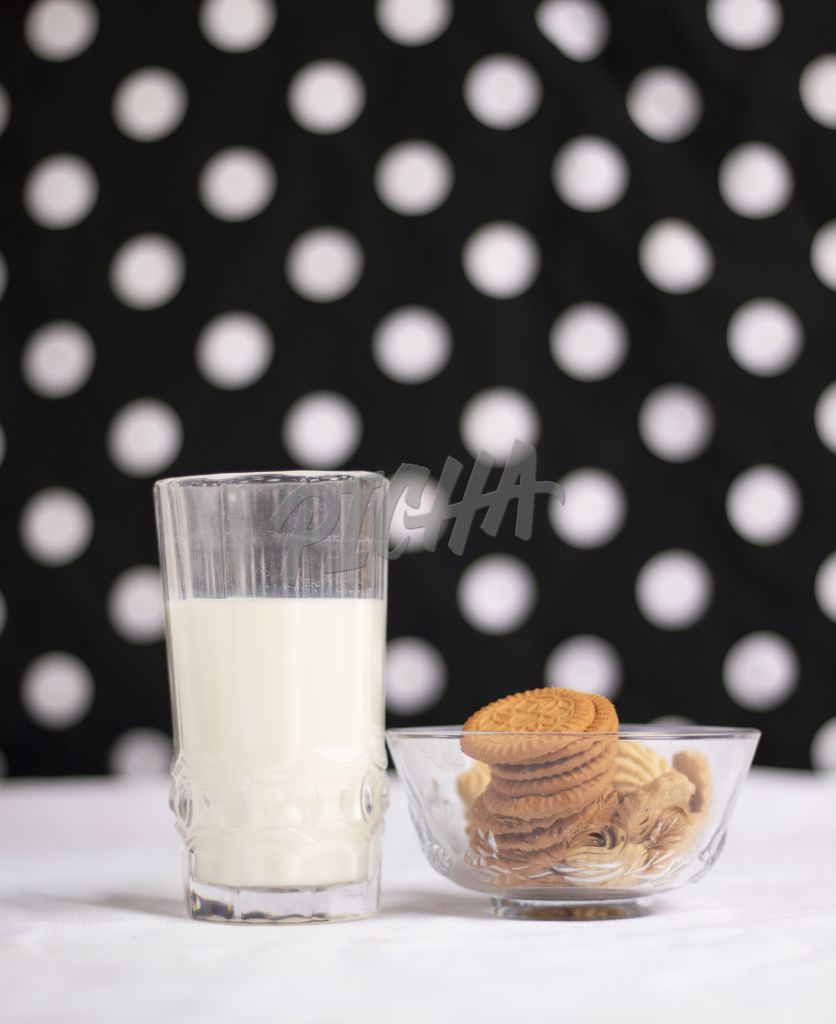 Biscuit and milk